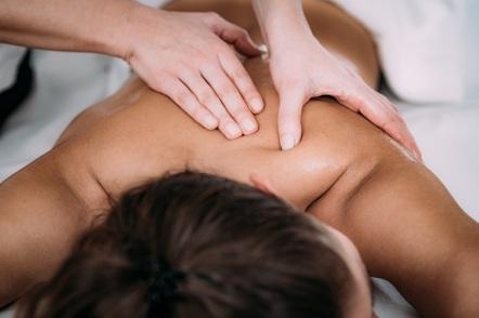 טיפול בכאבים בצוואר וגב עליון